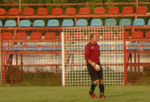 Mihailescu Tudorel é guarda-redes só com uma mão