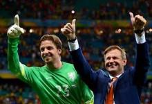 Frans Hoek, a quem deve ser dado o crédito, do êxito de Van Gaal, da Holanda e de Tim Krul