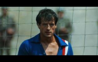 Robert Hatch é o guarda-redes interpretado por Sylvester Stallone em Fuga para a Vitória