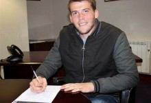 Ryan Crump assina pelo Blackburn