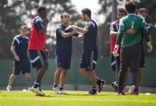 Bruno Cortez em confusão com Valdívia no treino do Palmeiras