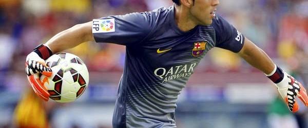 Claudio Bravo e defesa do Barcelona igualam marca com 21 anos