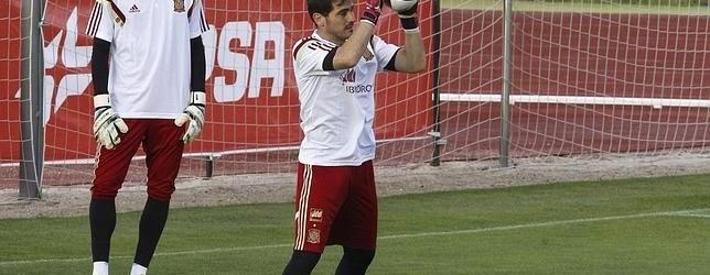 Iker Casillas em foco na antevisão do Espanha – Macedónia