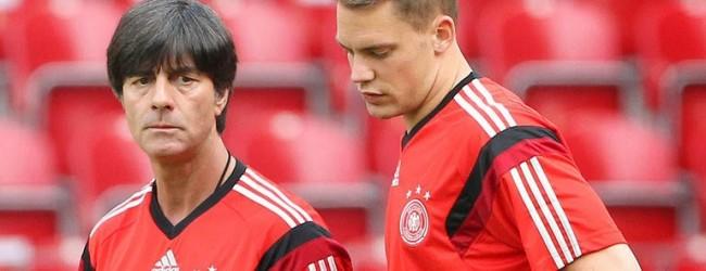 """Neuer gera """"o futuro do Futebol"""" para Joachim Low"""