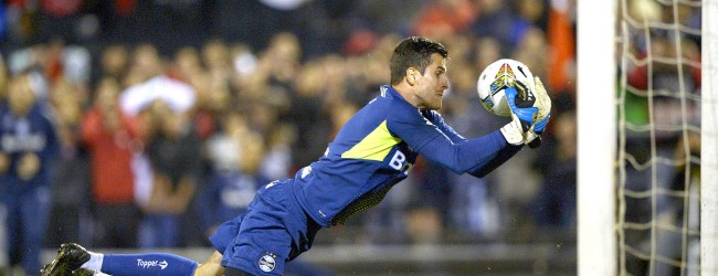 Marcelo Grohe bate recorde de jogos sem sofrer golos na baliza do Grêmio