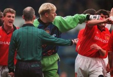 Peter Schmeichel lutou com Roy Keane em 1998