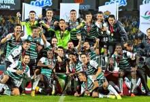 Oswaldo Sánchez, Julio José González e José Belman vencem a Copa MX com o Santos Laguna