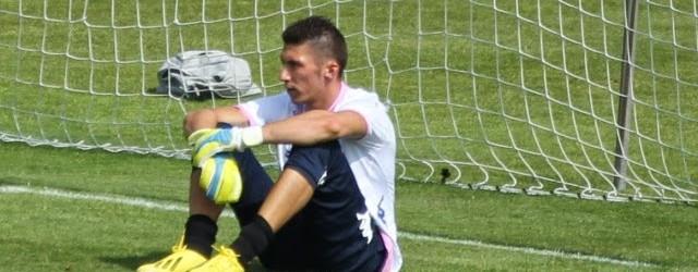 Mickaël Salamone treina-se à experiência no Farense