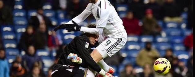 Beto lesiona-se e deixa relvado de maca e colar cervical no Real Madrid 2-1 Sevilla