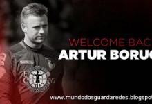 Artur Boruc assina pelo Bournemouth