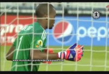 Brighton Mhlongo homenageou Senzo Meyiwa com baliza virgem no Sfaxien 0-1 Orlando Pirates