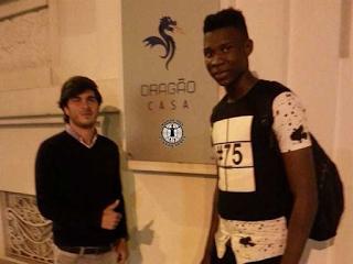 Khadim Rassoul Ndiay assina pelo FC Porto