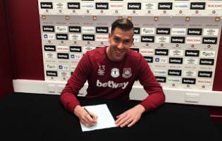 Adrián San Miguel renova pelo West Ham