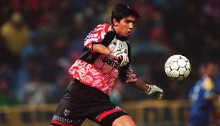 Gianluigi Buffon estreou-se há vinte anos num Parma 0-0 Milan VÍDEO