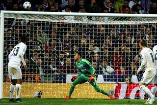Keylor Navas eestabelece recorde de estreante com mais minutos sem sofrer golos na Champions League