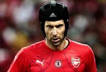 Petr Cech pediu para jogar sem capacete