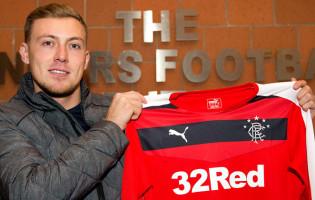 Maciej Gostomski assina pelo Rangers