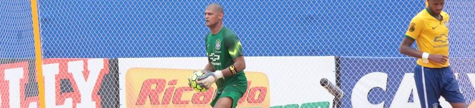 Mão vence Sul-Americano de Futebol de Praia como melhor guarda-redes pelo Brasil