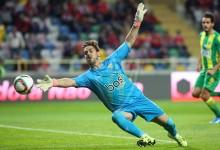 Cláudio Ramos regressa à baliza e defende penalti no Moreirense FC 1-2 CD Tondela