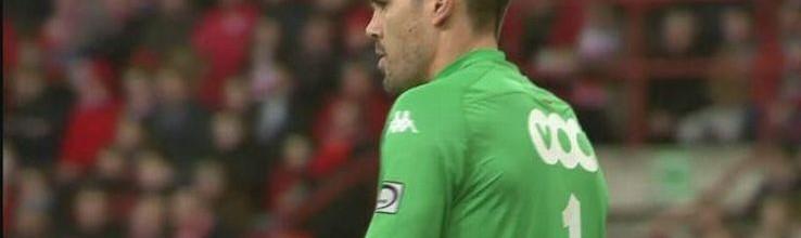 Víctor Valdés só pode negociar com outro clube em junho