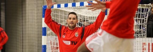 Hugo Figueira em destaque com golo no SL Benfica 40-30 Madeira SAD