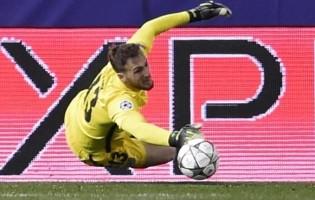 Jan Oblak torna-se no primeiro guarda-redes a vencer grandes penalidades consecutivas na Champions League
