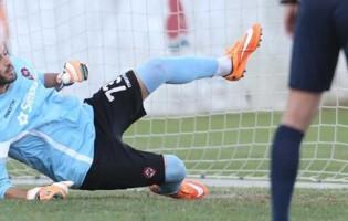 João Pinho o melhor em campo no UD Oliveirense 1-0 Varzim SC