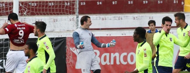 José Costa defende penalti no último lance do Oriental 0-0 SC Braga B