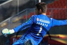 Ricardo Janota defende penalti no Académico de Viseu 0-2 FC Penafiel