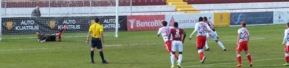 José Moreira defende penalti no Oriental 0-0 SC Olhanense