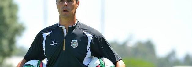 """Rui Barbosa: """"Trabalha-se muito melhor porque se dá mais valor ao treino e ao papel do guarda-redes"""""""