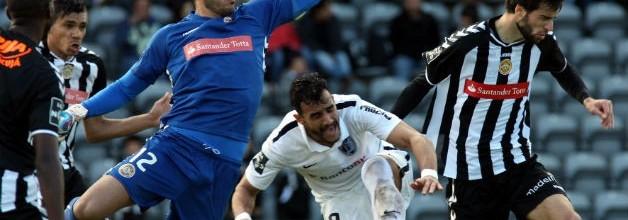 Rui Silva brilha e Iker Casillas defende-se no FC Porto 4-0 CD Nacional