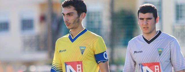 Vítor Damas Sousa, neto da lenda, aos 17 anos treina nos seniores do Estoril