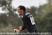 Vladimir Stojkovic defende penalti no Sporting CP B 2-1 SL Benfica B
