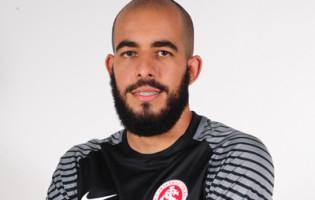 Danilo Fernandes assina pelo SC Internacional