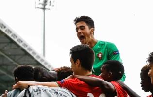 Diogo Costa campeão Europeu sub-17 e recordista por Portugal