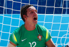 Elinton Andrade é o melhor guarda-redes e jogador e é campeão da Taça Europeia por Portugal