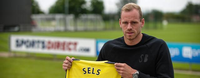 Matz Sels assina pelo Newcastle