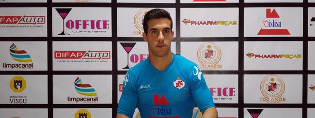 Ruca Nunes assina pelo Lusitano FC