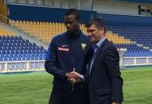 Thierry Graça assina pelo Estoril