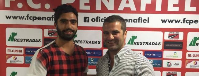 Tiago Rocha renova pelo FC Penafiel