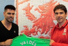 Víctor Valdés assina pelo Middlesbrough FC