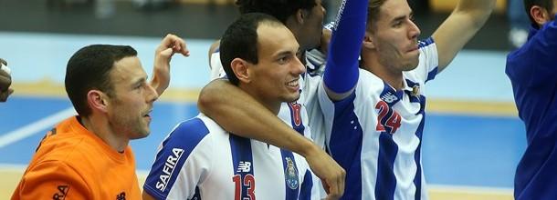 Hugo Laurentino marca três golos no FC Porto 36-28 Águas Santas