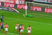 Carlos Marafona defende penalti no SC Braga 2-1 CF Os Belenenses