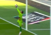 Peçanha voa em duas defesas – SL Benfica 4-0 CD Feirense