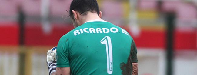 Ricardo Moura defende dois penaltis e garante passagem do Leixões SC na Taça