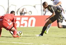 Aranha dá pontapé de saída contra o racismo no Futebol