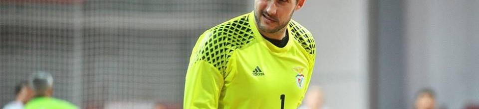 Hugo Figueira apura SL Benfica para a EHF Cup com 19 defesas