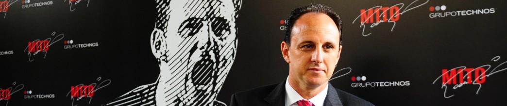 Rogério Ceni é o novo treinador principal do São Paulo FC