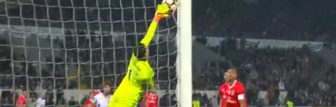 Ederson Moraes faz defesa crucial e não sofre há 6 jogos consecutivos – Vitória SC 0-2 SL Benfica